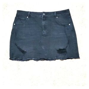 Distressed stretchy jean skirt
